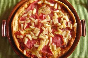 Pizza all'ananas